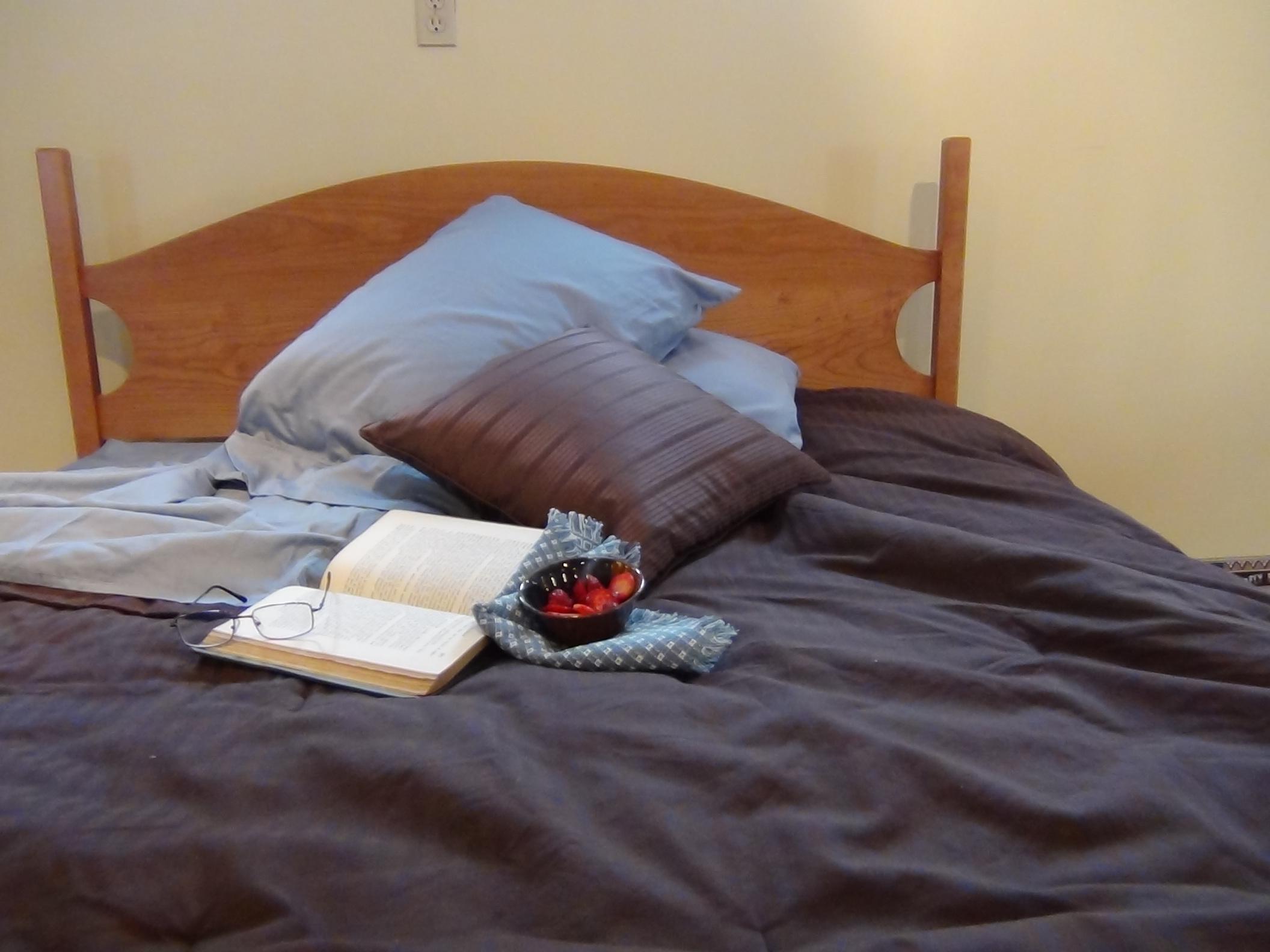 bedroom beds shaker half moon bed Shaker Half Moon Bed