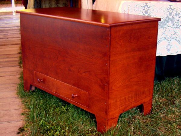 chests dressers bedroom furniture shaker blanket chest drawer Six Board Blanket Chest